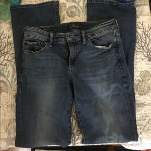 Lucky Brand size 6 sweet boot cut jeans